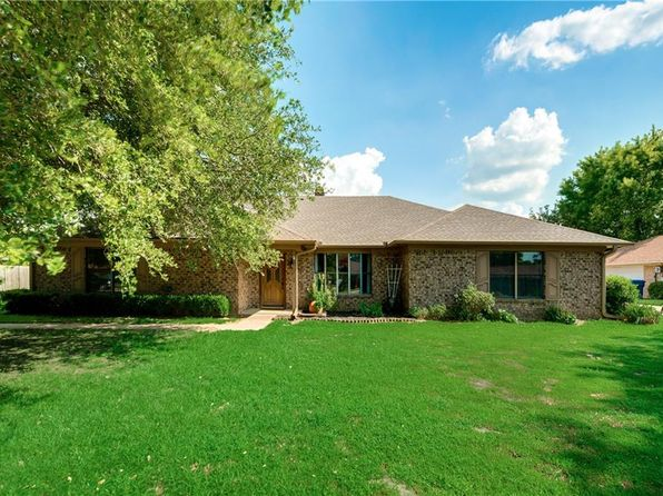 3 bed 2 bath Single Family at 2312 Matthew Dr Mount Pleasant, TX, 75455 is for sale at 159k - 1 of 35