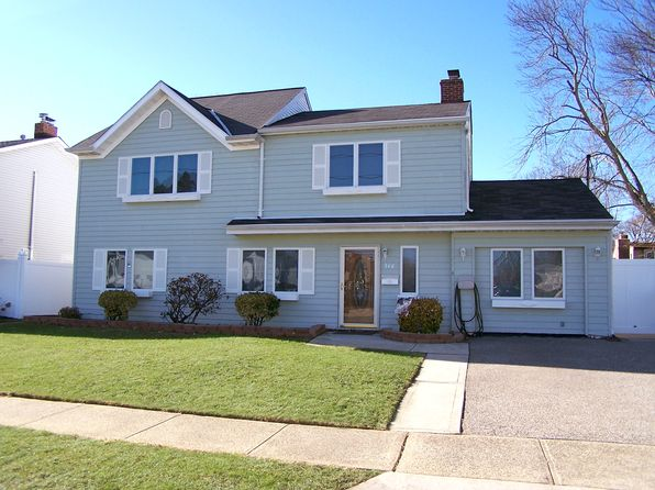 5 bed 3 bath Single Family at 348 Seaford Ave Massapequa, NY, 11758 is for sale at 580k - 1 of 21