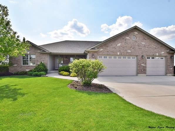3 bed 3 bath Single Family at 413 S Kincaid St Maple Park, IL, 60151 is for sale at 330k - 1 of 33