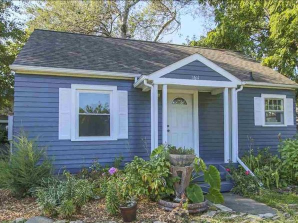 3 bed 1 bath Single Family at 1611 GRAND BLVD CEDAR FALLS, IA, 50613 is for sale at 133k - 1 of 14