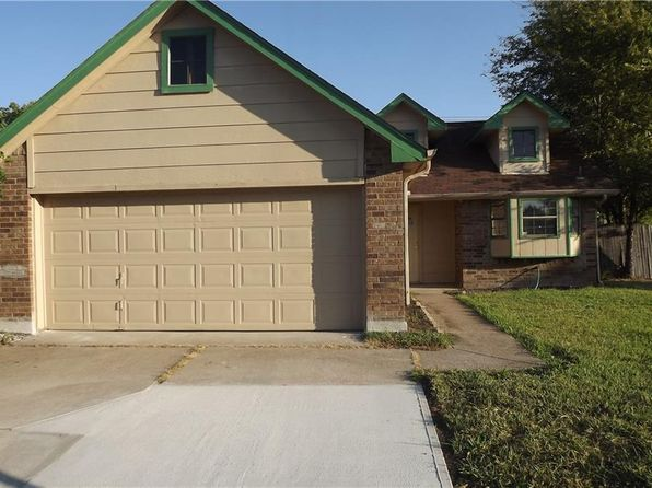 3 bed 2 bath Single Family at 507 Red Coat Ln Arlington, TX, 76002 is for sale at 150k - 1 of 17