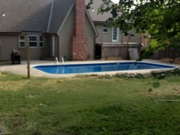 5 bed 4 bath Single Family at 10700 W 70th Ter Shawnee, KS, 66203 is for sale at 245k - 1 of 3