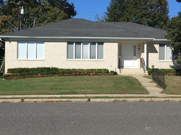 3 bed 2 bath Single Family at 17 Campbell Ct Deal, NJ, 07723 is for sale at 950k - google static map