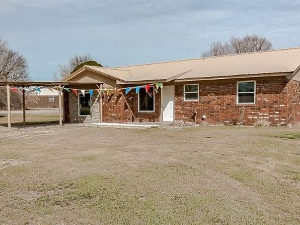 3 bed 2 bath Single Family at 914 W CHATBURN PL STILLWATER, OK, 74075 is for sale at 135k - 1 of 19