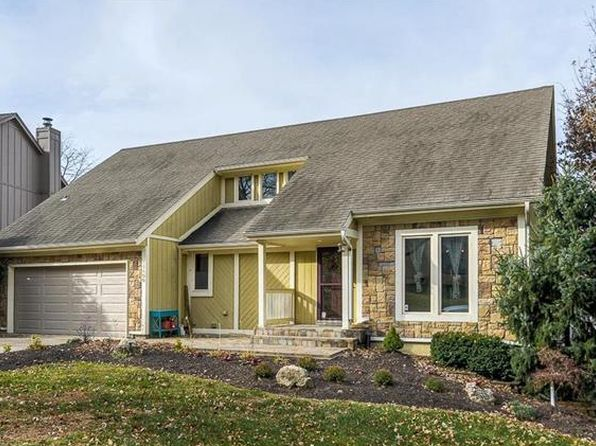 4 bed 4 bath Single Family at 11400 Foster St Overland Park, KS, 66210 is for sale at 325k - 1 of 17