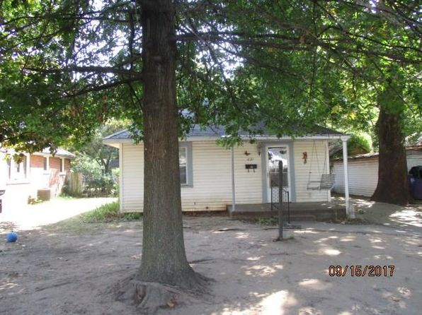 2 bed 1 bath Single Family at 621 W Wallace St Shawnee, OK, 74801 is for sale at 29k - google static map