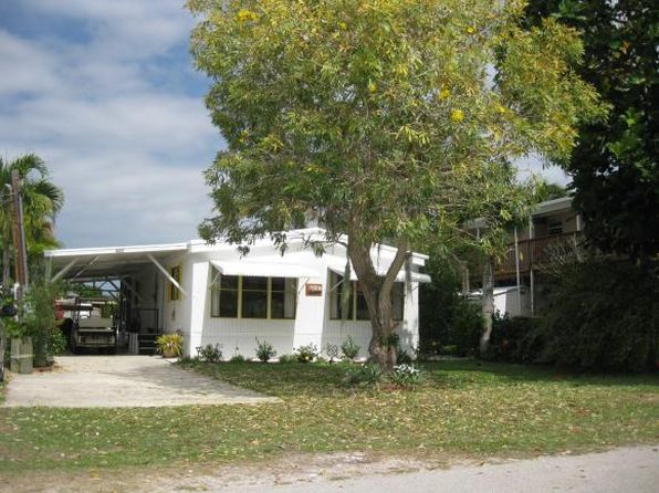 2 bed 2 bath Single Family at 623 Palm E Ave Goodland, FL, 34140 is for sale at 325k - 1 of 11