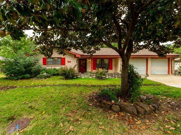 3 bed 2 bath Single Family at 2313 Yorkshire St Denton, TX, 76209 is for sale at 215k - 1 of 26