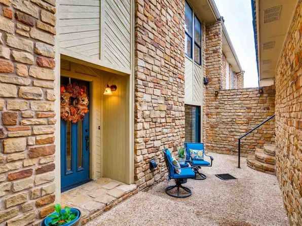 3 bed 3 bath Townhouse at 706 Clayton Nolen Dr Horseshoe Bay, TX, 78657 is for sale at 215k - 1 of 25