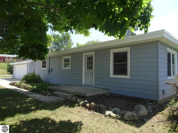 3 bed 2 bath Single Family at 3536 Kirkland Ct Williamsburg, MI, 49690 is for sale at 165k - 1 of 9