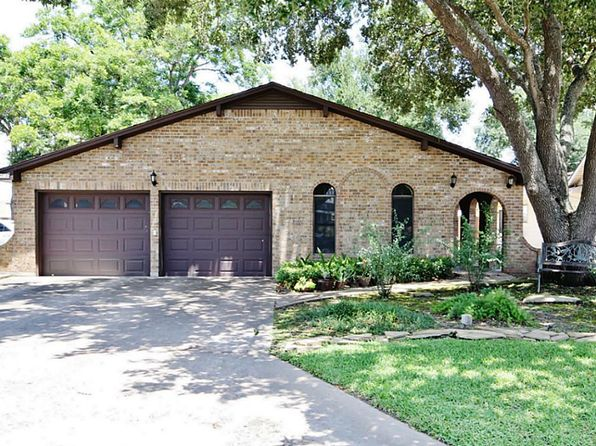 3 bed 2 bath Single Family at 314 Atchison St Sealy, TX, 77474 is for sale at 229k - 1 of 32