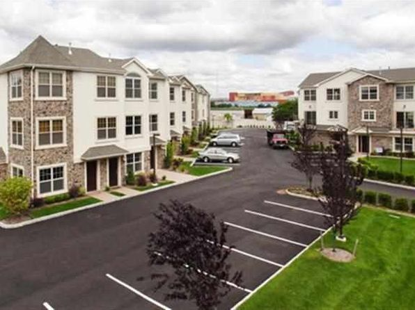 3 bed 2.5 bath Apartment at 1625 Paterson Plank Rd Secaucus, NJ, 07094 is for sale at 500k - 1 of 22