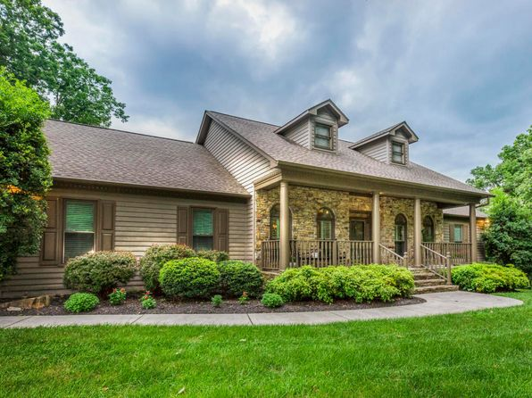 3 bed 4 bath Single Family at 141 Lake Crest Dr Lenoir City, TN, 37772 is for sale at 460k - 1 of 33