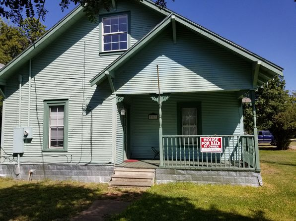 3 bed 2 bath Single Family at 203 Butler St Trenton, TX, 75490 is for sale at 82k - 1 of 16