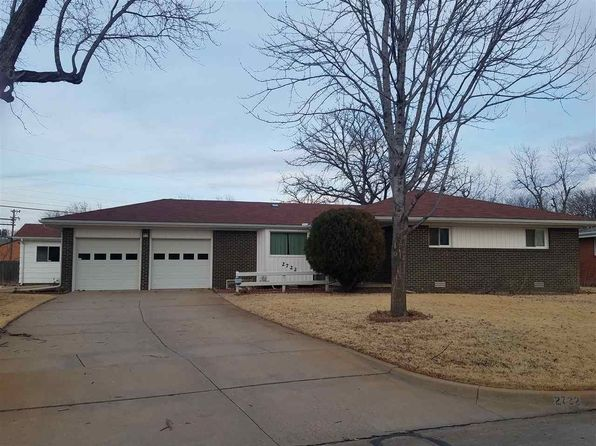 3 bed 2 bath Single Family at 2722 S Larkin St Wichita, KS, 67216 is for sale at 130k - 1 of 23