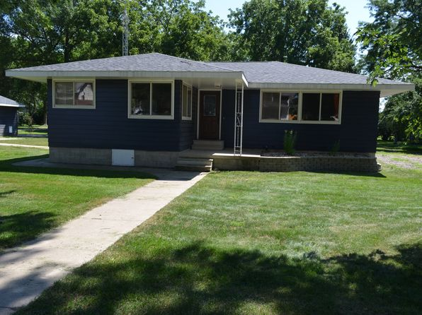 2 bed 1 bath Single Family at 108 N Lincoln St Sheffield, IA, 50475 is for sale at 85k - 1 of 14