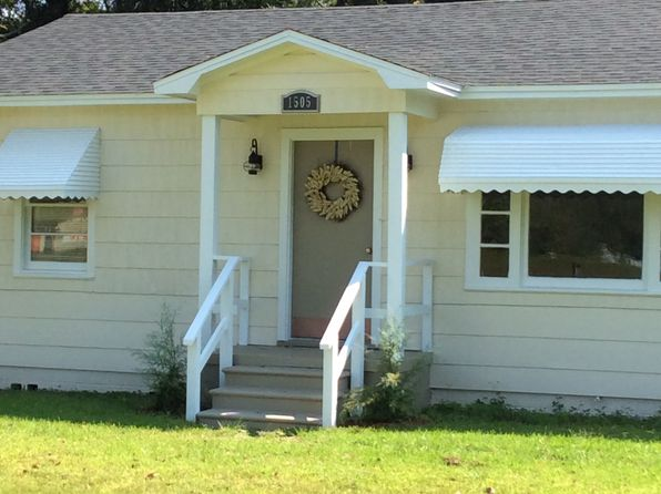 3 bed 1 bath Single Family at 1505 Dunlop St Mobile, AL, 36605 is for sale at 74k - 1 of 13
