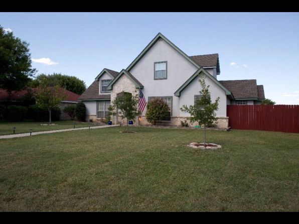 3 bed 3 bath Single Family at 636 SUNRISE AVE UVALDE, TX, 78801 is for sale at 230k - 1 of 25