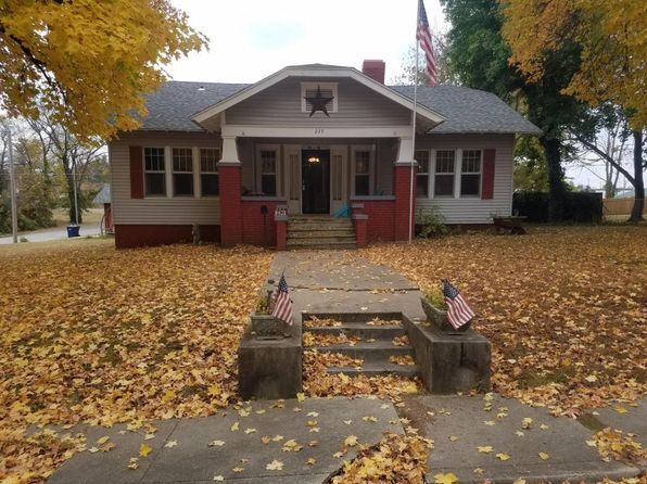 4 bed 3 bath Single Family at 239 E 10th St Baxter Springs, KS, 66713 is for sale at 105k - 1 of 24