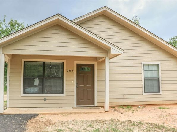 2 bed 2 bath Single Family at 605 ARKANSAS ST LONGVIEW, TX, 75601 is for sale at 92k - 1 of 13