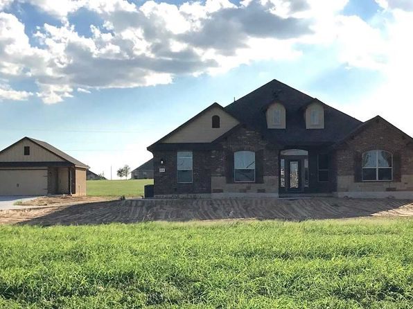 3 bed 3 bath Single Family at 4756 Old Lorena Rd Lorena, TX, 76655 is for sale at 316k - 1 of 5