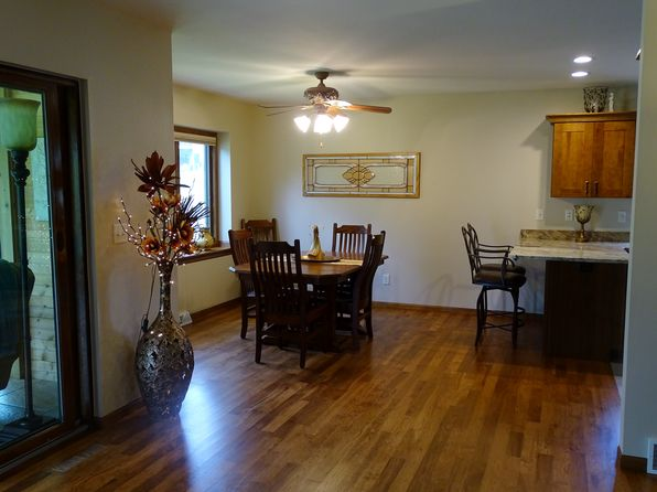 4 bed 3 bath Single Family at 385 Doe Ct Dubuque, IA, 52003 is for sale at 376k - 1 of 26