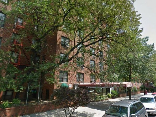 1 bed 1 bath Cooperative at 1577 E 17th St Brooklyn, NY, 11230 is for sale at 299k - 1 of 5