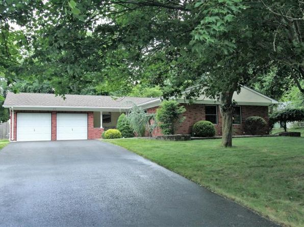 3 bed 2 bath Single Family at 11 Newton St Marlboro, NJ, 07746 is for sale at 415k - 1 of 23