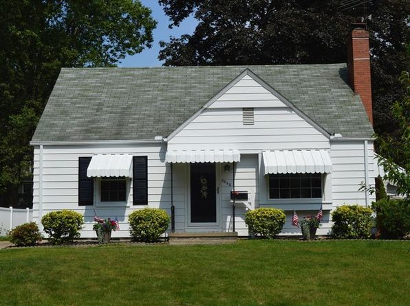 3 bed 2 bath Single Family at 2045 26th St Cuyahoga Falls, OH, 44223 is for sale at 133k - 1 of 35