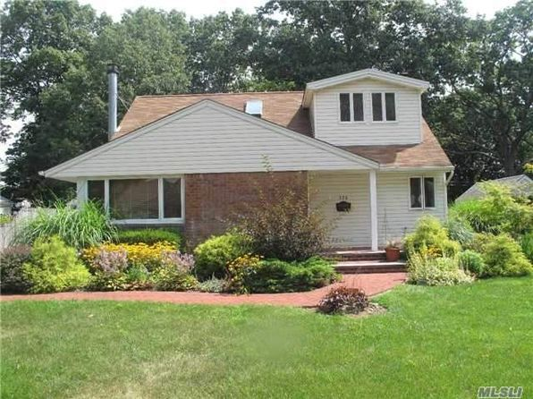4 bed 2 bath Single Family at 336 Sylvan Ln Westbury, NY, 11590 is for sale at 579k - 1 of 19