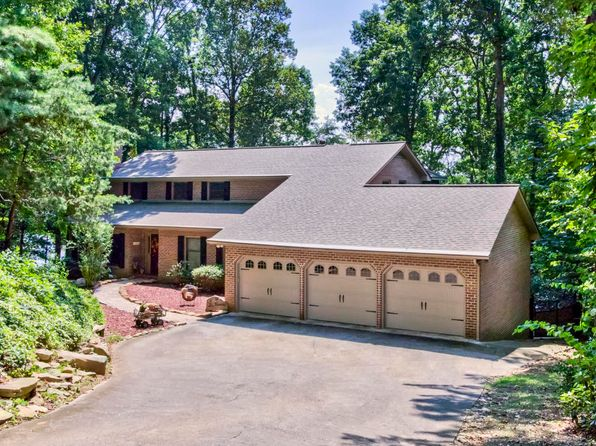 4 bed 4 bath Single Family at 120 TIGITSI LN LOUDON, TN, 37774 is for sale at 670k - 1 of 37