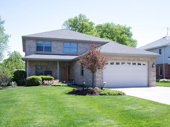5 bed 4 bath Single Family at 2233 Sprucewood Ave Des Plaines, IL, 60018 is for sale at 559k - 1 of 27