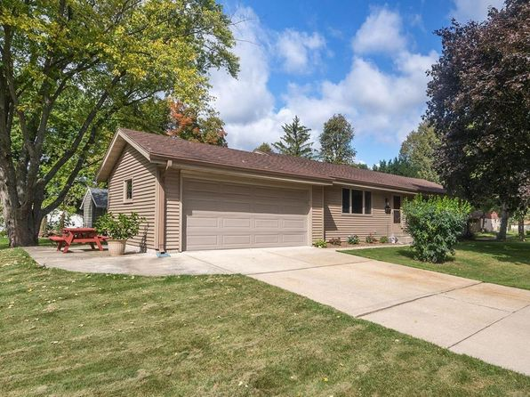 3 bed 2 bath Single Family at 251 Carlin Ct Hartland, WI, 53029 is for sale at 225k - 1 of 25