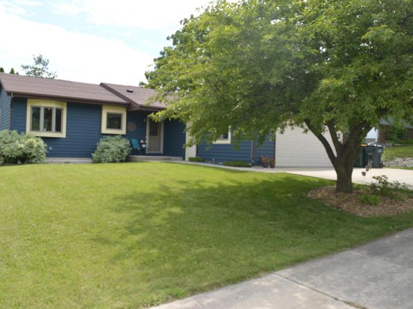4 bed 3 bath Single Family at 1305 Dandelion Ln West Bend, WI, 53090 is for sale at 230k - 1 of 18