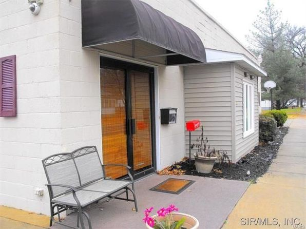 4 bed 2 bath Single Family at 424 College Ave Centralia, IL, 62801 is for sale at 83k - google static map