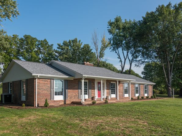 3 bed 3 bath Single Family at 1895 Lee Hwy N Pulaski, VA, 24301 is for sale at 250k - 1 of 42