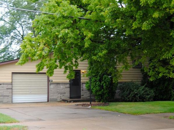 3 bed 2 bath Single Family at 1355 13th Ave N Clinton, IA, 52732 is for sale at 97k - 1 of 18