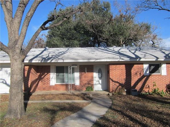 2 bed 1 bath Single Family at 307 N Avenue J Clifton, TX, 76634 is for sale at 119k - 1 of 29