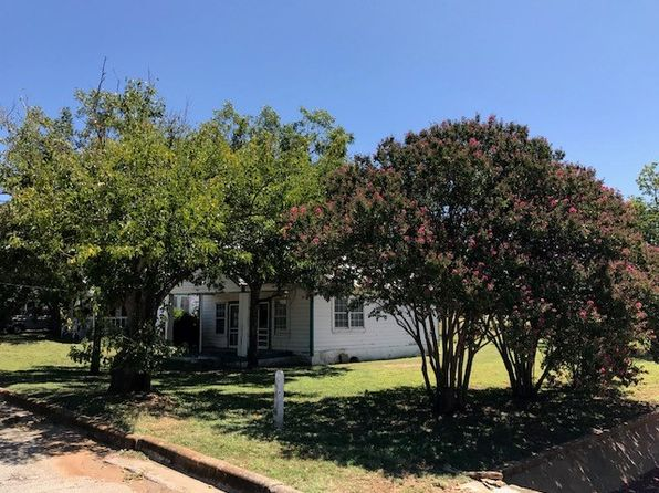 1 bed 1 bath Single Family at 108 W Green St Llano, TX, 78643 is for sale at 45k - 1 of 12