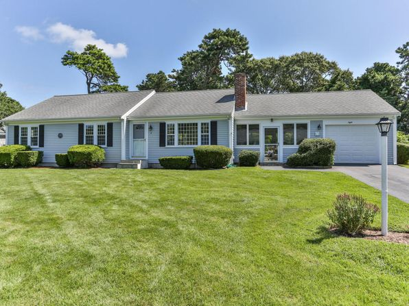 3 bed 2 bath Single Family at 8 Captain Percival Rd South Yarmouth, MA, 02664 is for sale at 370k - 1 of 24