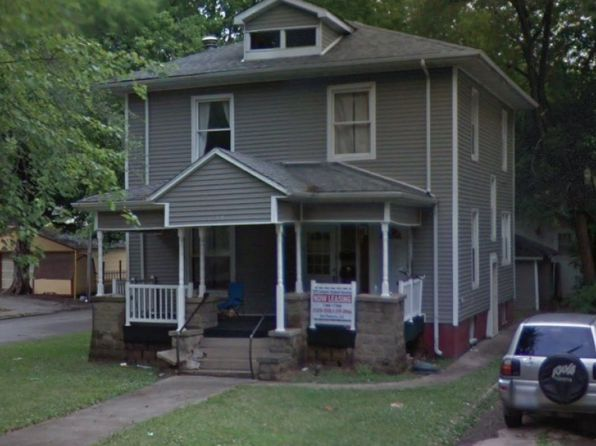 4 bed 2 bath Single Family at 1034 W Main St Decatur, IL, 62522 is for sale at 63k - google static map
