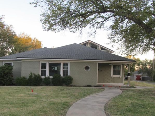 3 bed 2 bath Single Family at 1615 Mustang St Amarillo, TX, 79102 is for sale at 120k - 1 of 21