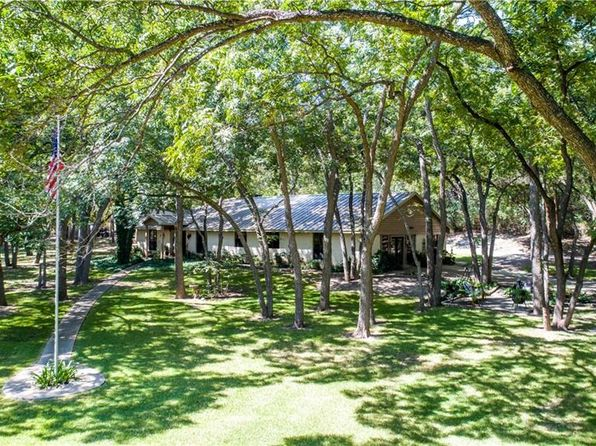 3 bed 2 bath Single Family at 6061 Montgomery Rd Midlothian, TX, 76065 is for sale at 433k - 1 of 35