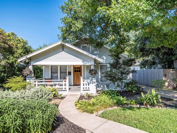 3 bed 2 bath Single Family at 1018 Woodlawn Ave Dallas, TX, 75208 is for sale at 375k - 1 of 28