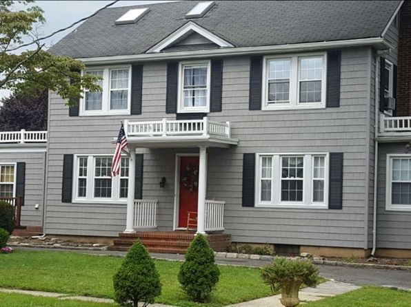 3 bed 3 bath Single Family at 28 Royal Rd Rockville Centre, NY, 11570 is for sale at 795k - 1 of 7