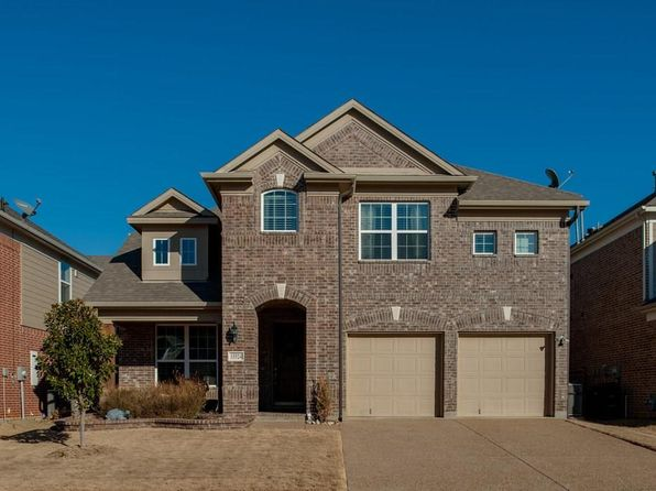 3 bed 3 bath Single Family at 15524 MAYFLOWER TRL ROANOKE, TX, 76262 is for sale at 364k - 1 of 32