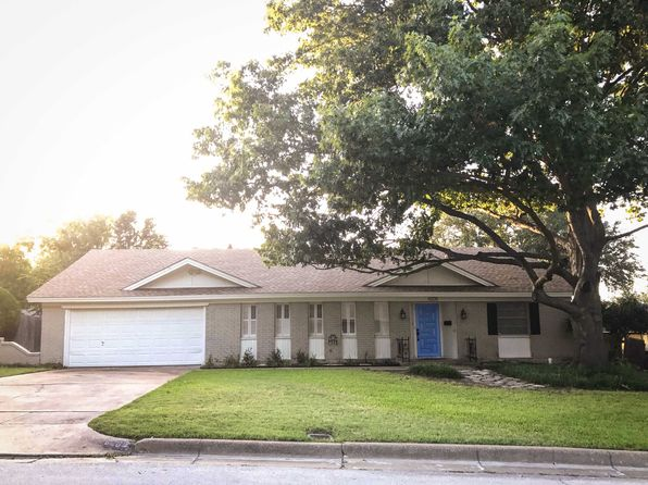 3 bed 2 bath Single Family at 6208 Whitman Ave Fort Worth, TX, 76133 is for sale at 230k - 1 of 38