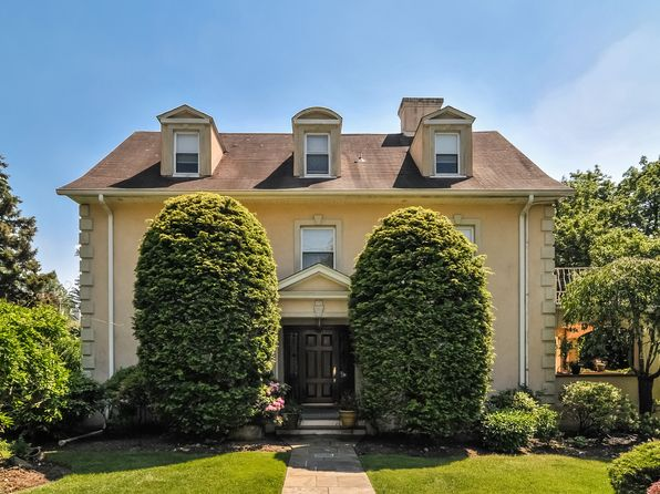 6 bed 5 bath Single Family at 23 Overhill Rd Scarsdale, NY, 10583 is for sale at 1.65m - 1 of 27