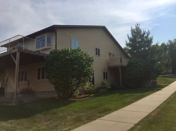 2 bed 3 bath Townhouse at 1320 N High St Lake City, MN, 55041 is for sale at 290k - 1 of 29