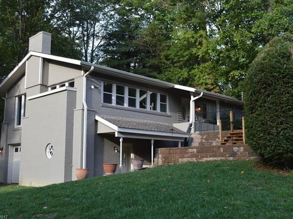3 bed 3 bath Single Family at 35 Hilltop Cir N Hendersonville, NC, 28791 is for sale at 315k - 1 of 13
